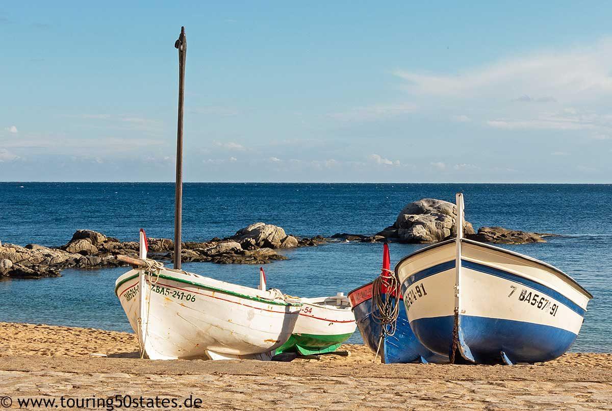 Ein berühmtes Motiv: Fischerboote am Strand von Calella de Palafrugell