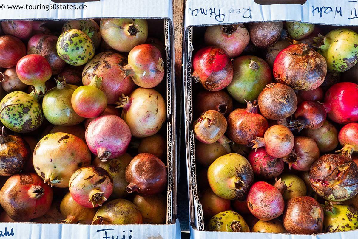 kiloweise Granatäpfel - frisch gepflückt im Baix Empordá