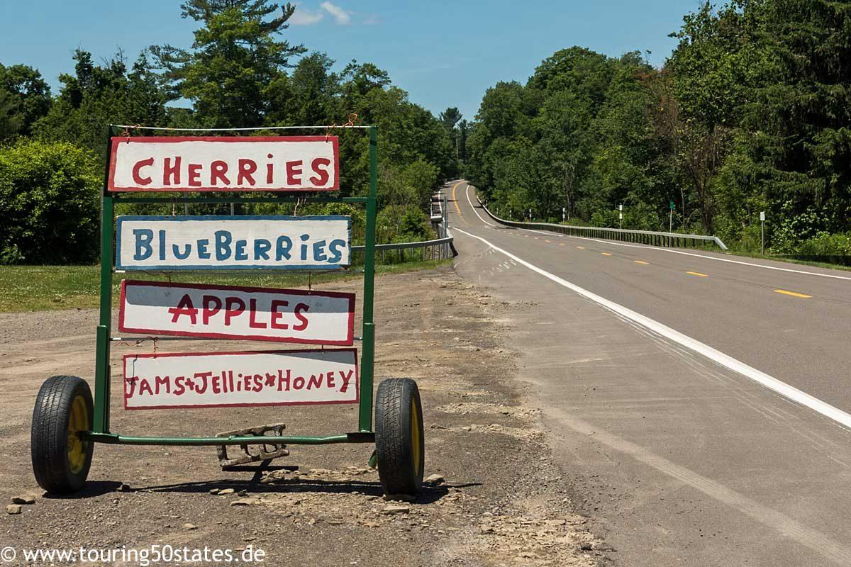 Einladung zum Anhalten und Einkaufen an der Indian Creek Farm, Ithaca, NY