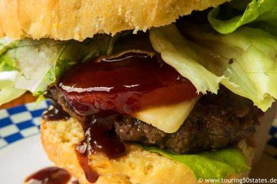homemade buffalo burger mit Lerman´s Staeksauce aus Penn Yan