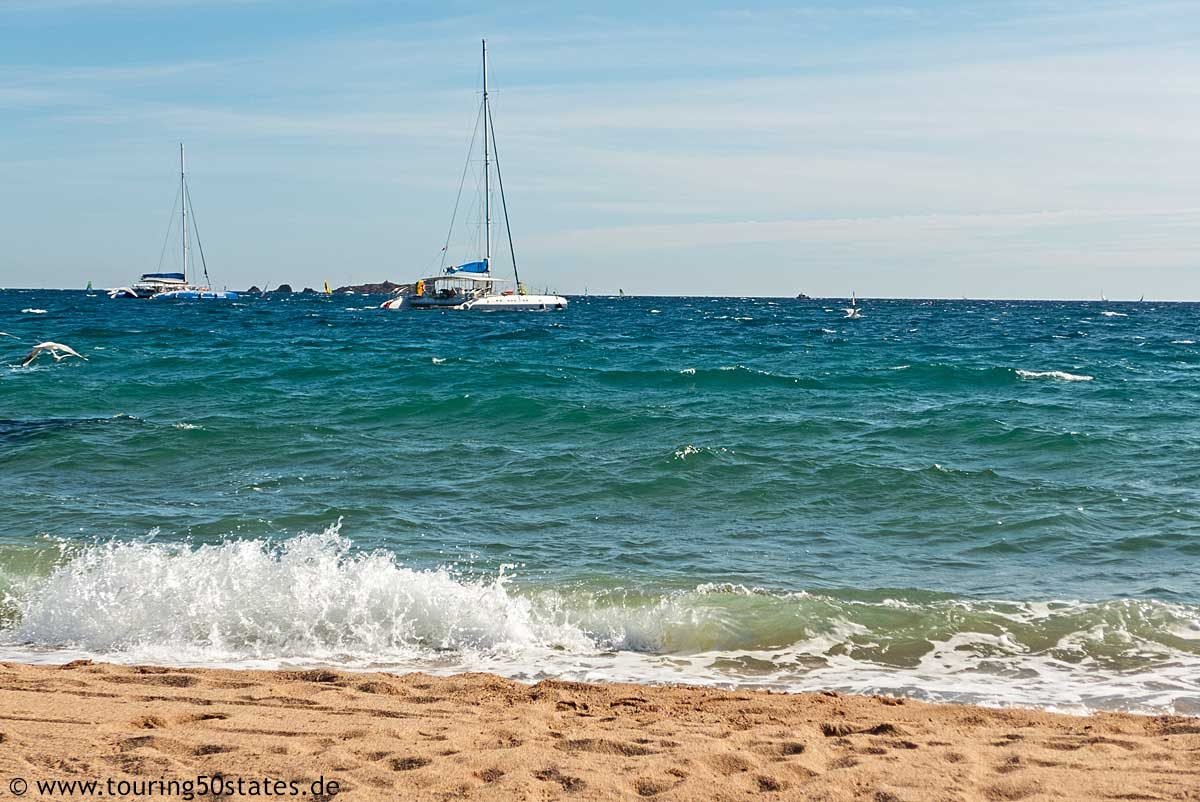 Am Strand von Fréjus mit Blick in die Bucht