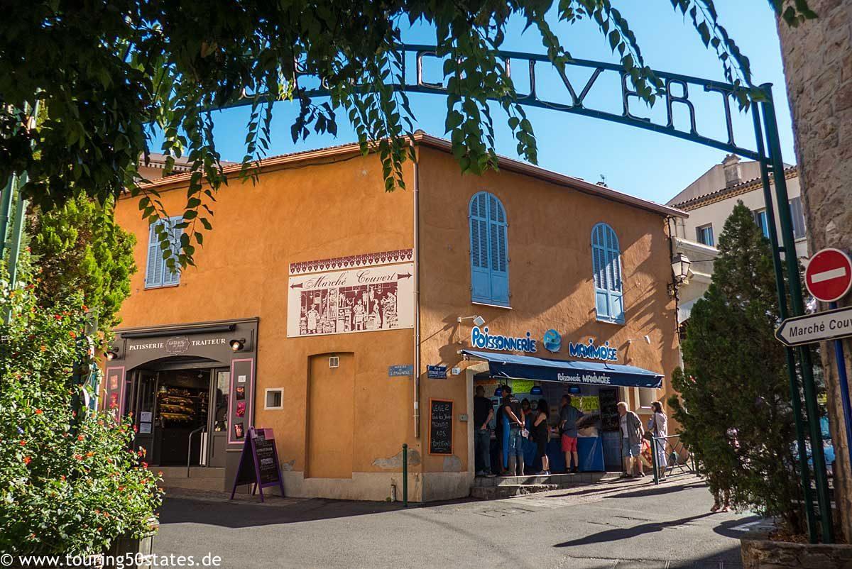Marché Couvert in der Altstadt von Saint-Maxime