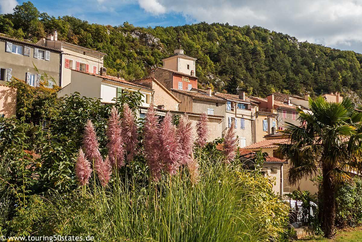 Aiguines - ein Bergdorf oberhalb des Stausees Lac de Sainte-Croix