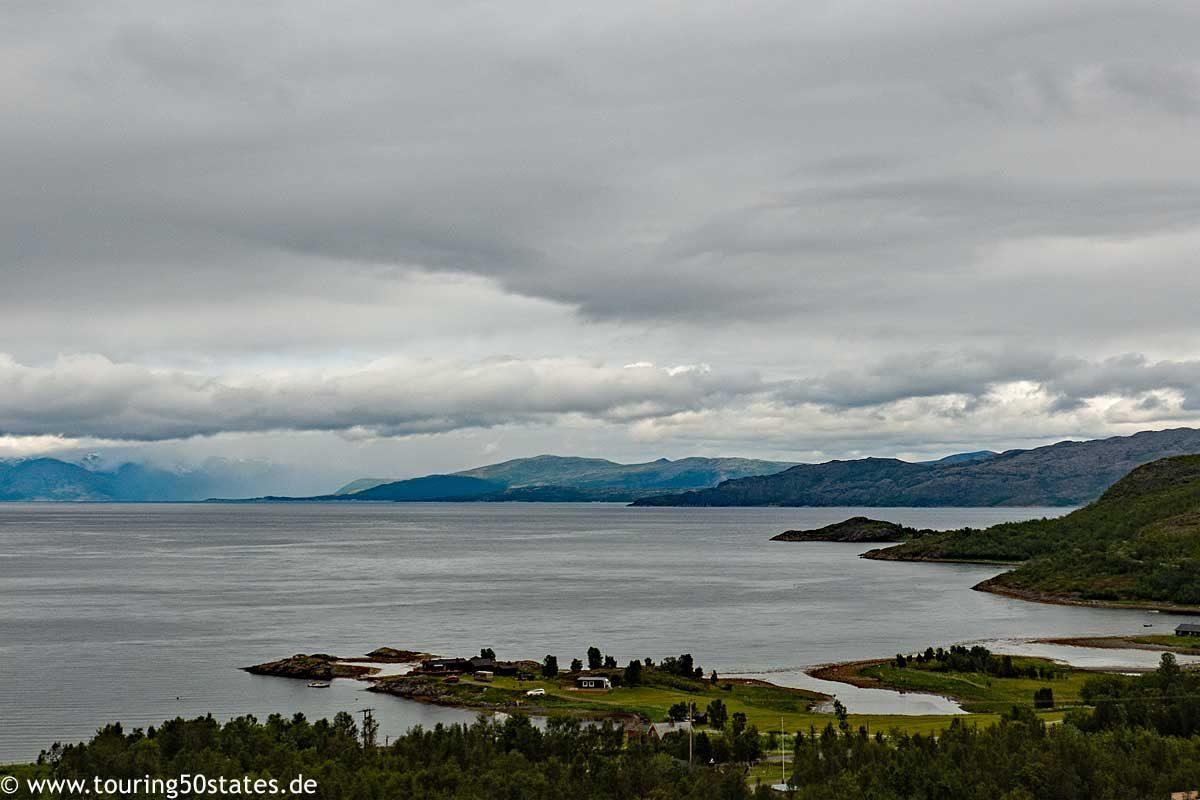 Blick über den Altafjord an der E6