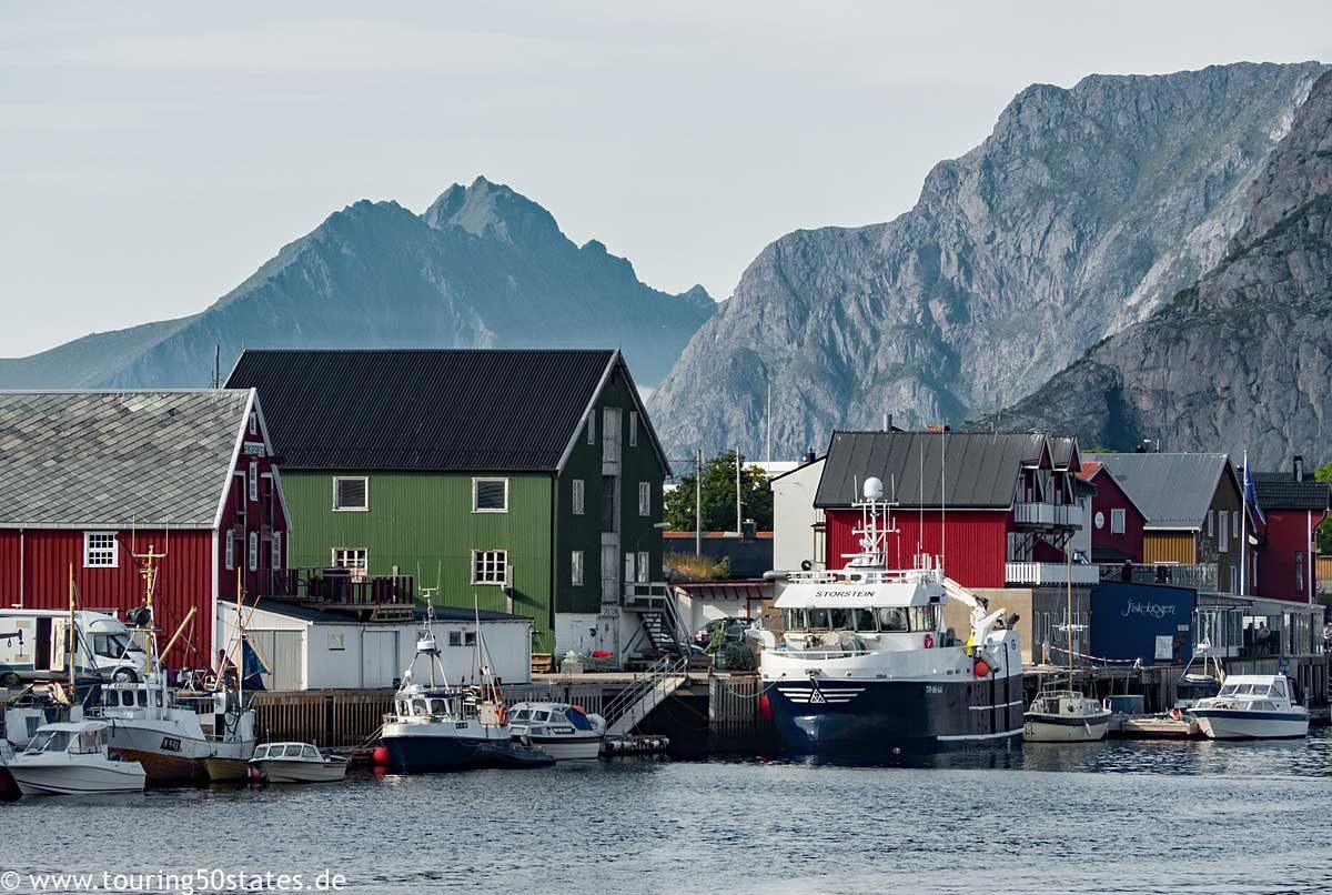 Henningsvær, ein Fischerdorf auf Lofoten