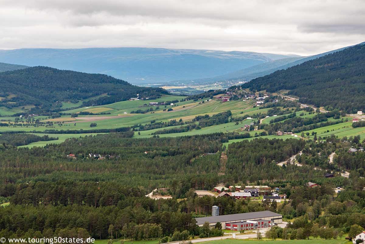 Blick in das Gudbrandsdal in Richtung Romsdalen