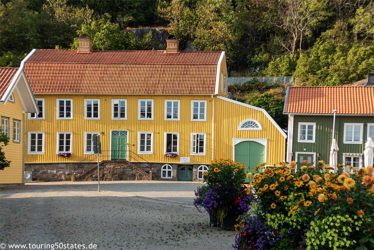 Kungälv - der Platz vor der Kirche