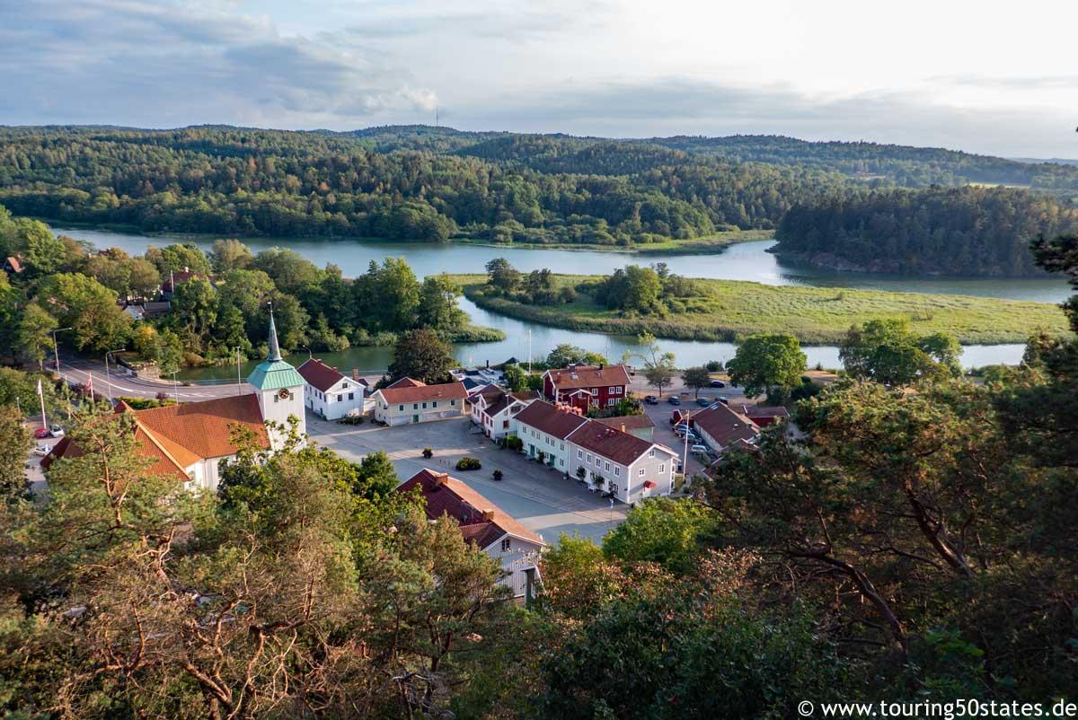 Blick über Kungälv und das Tal des Nordre Älv
