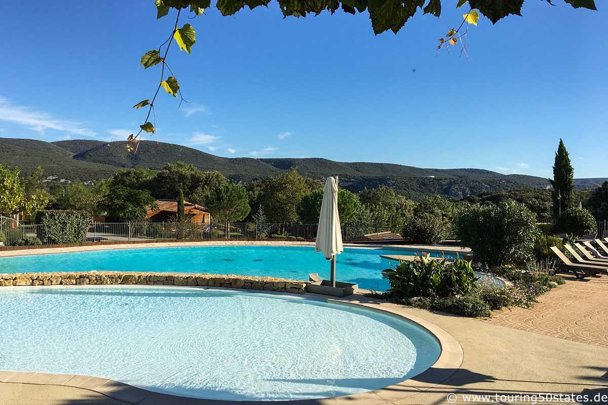 Swimmingpool im Ferienresort Domaine de Sevenier