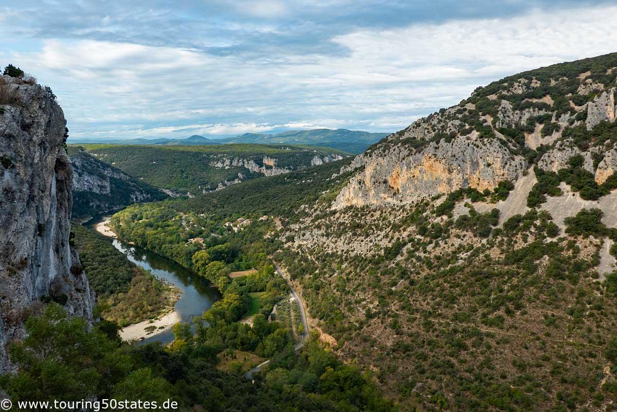 Das Tal der Ardéche Richtung Pont d´Arc